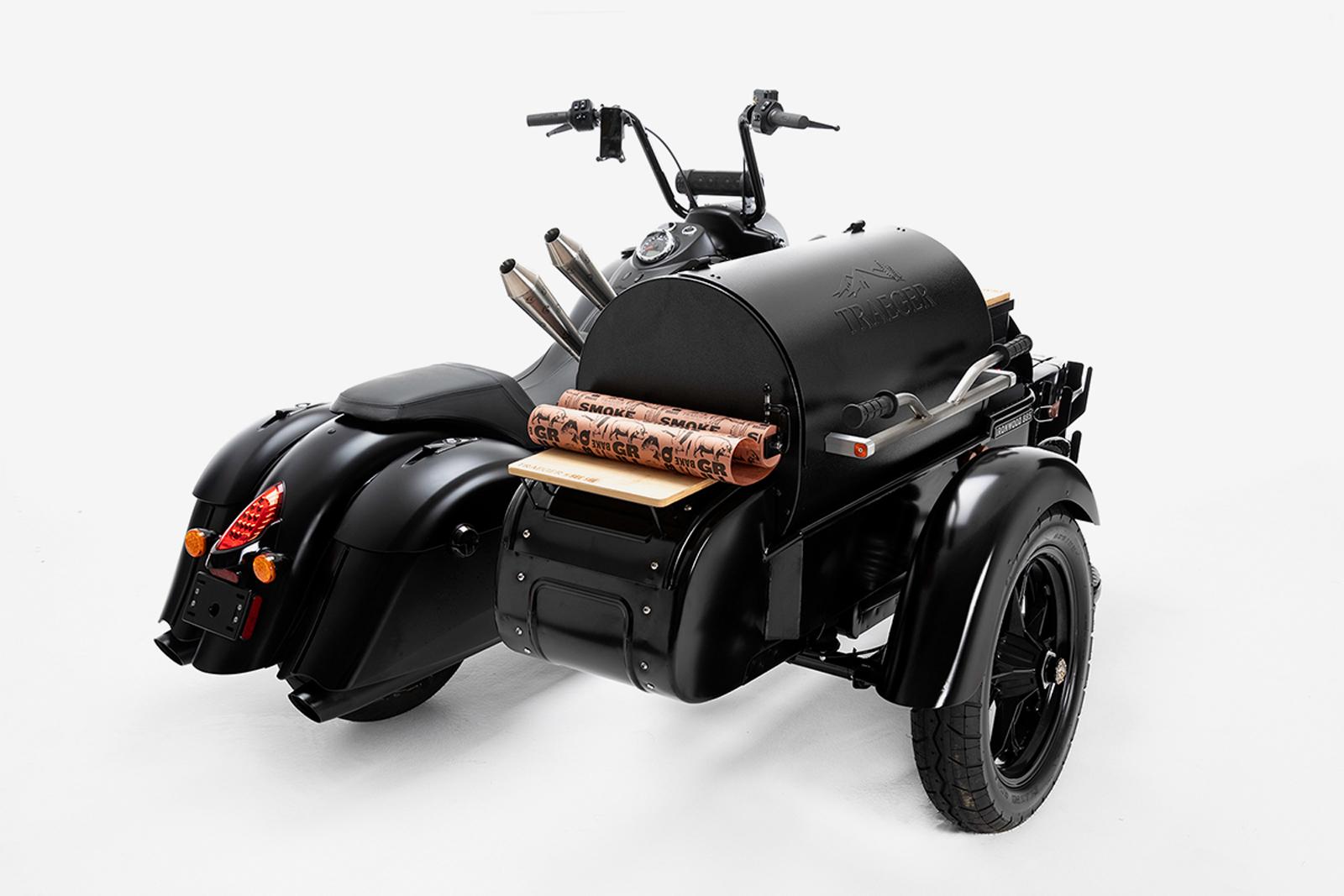 在烤肉架的握把上也更換成摩托車的握把